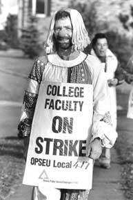 Membre du corps professoral du Collège en grève