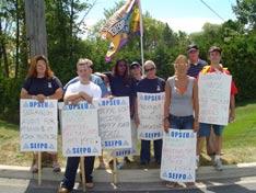 Membres du SEFPO en grève