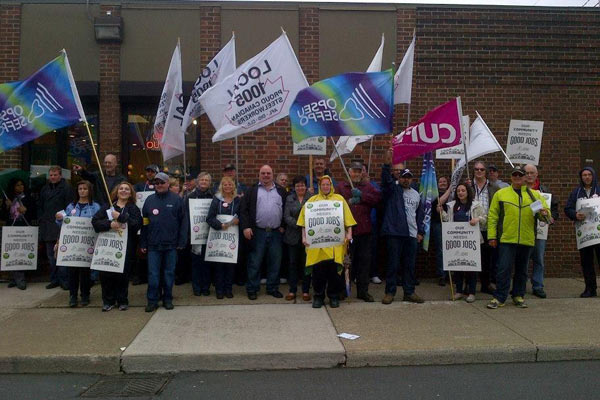 2013-04-19_lbed-province-wide-info-pickets_1.jpg