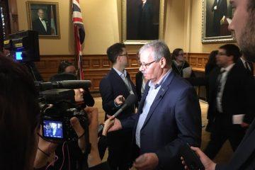 Le projet de loi sur la réduction des salaires promet un « été long et chaud » aux conservateurs