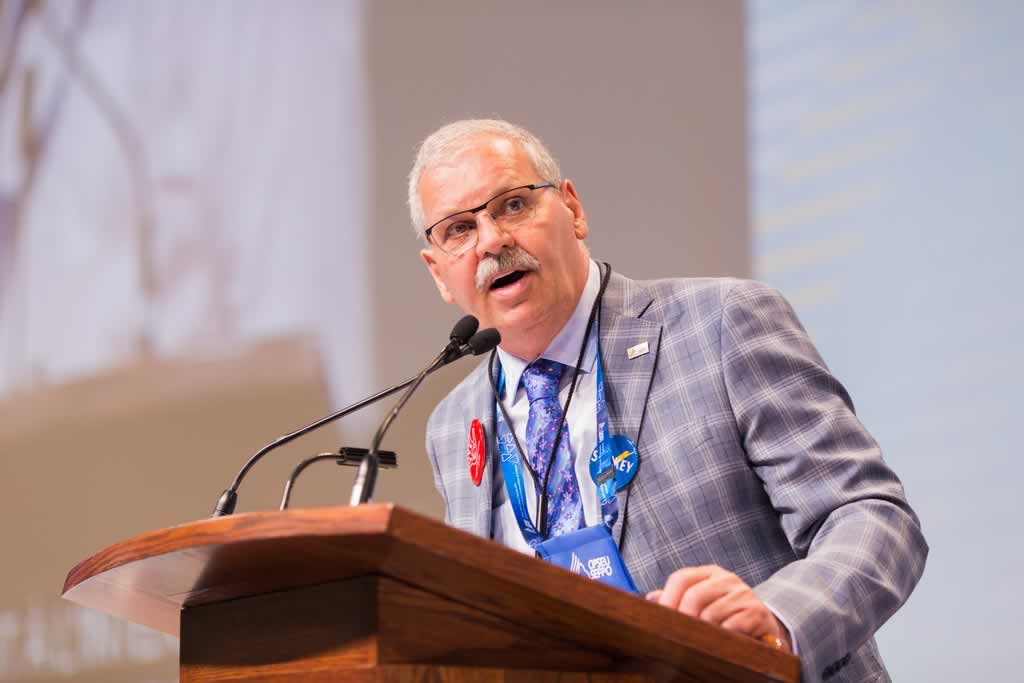OPSEU President Warren (Smokey) Thomas at the podium during Convention 2019.