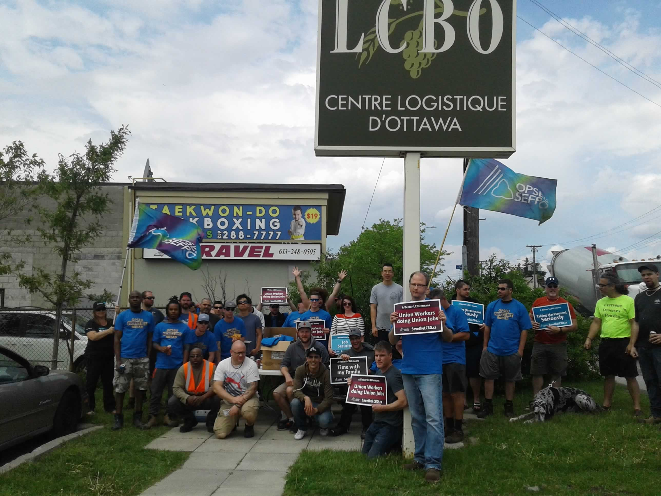 LCBO warehouse workers picket