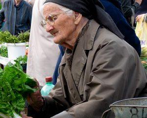 En cette Journée internationale de sensibilisation à la maltraitance envers les aînés, le SEFPO demande de solides soins publics aux aînés