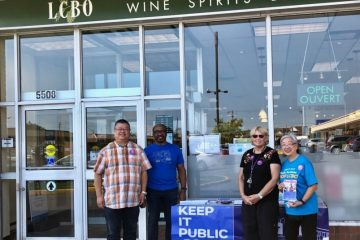 Les membres du SEFPO lancent un message au public : « Achetez LCBO »