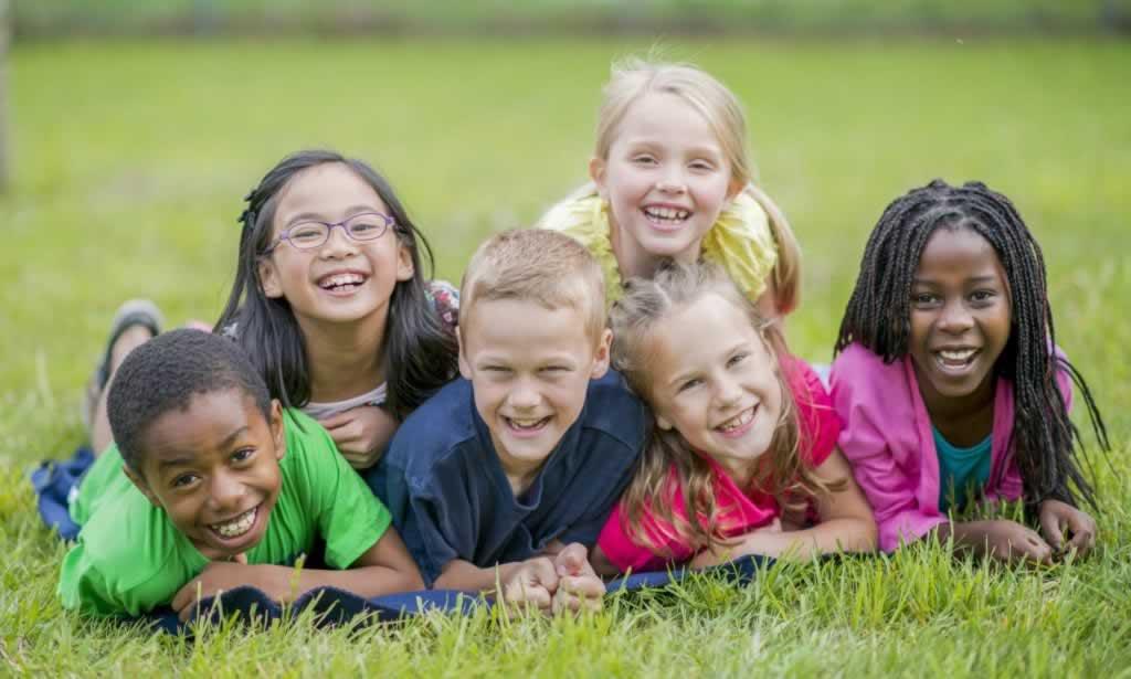 En cette Journée nationale de l'enfant, nous honorons et respectons la place de nos jeunes dans le monde